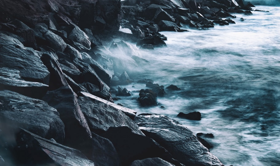 Misty rocks and water wallpapers